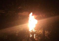 Вчера на Цне загорелся катер с шестью пассажирами