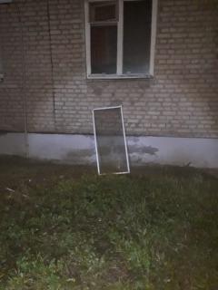 Из окна квартиры в поселке Строитель выпал мальчик